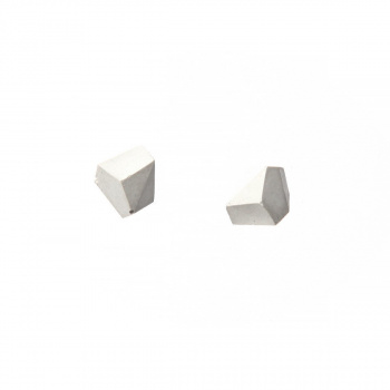 22 DESIGN STUDIO Rock Earring White